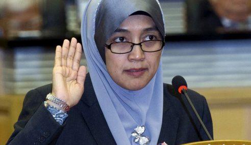 Khairiah Dilantik Semula, Angkat Sumpah Anggota Dewan Negara