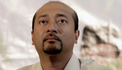 Mukhriz Guna Pengaruh Bola Sepak Pertahan Jawatan MB?