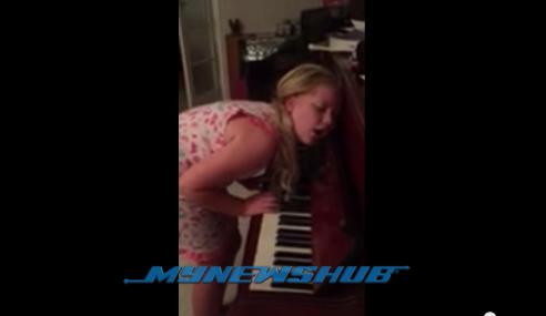 Video: Budak 12 Tahun Main Piano Ketika Tidur