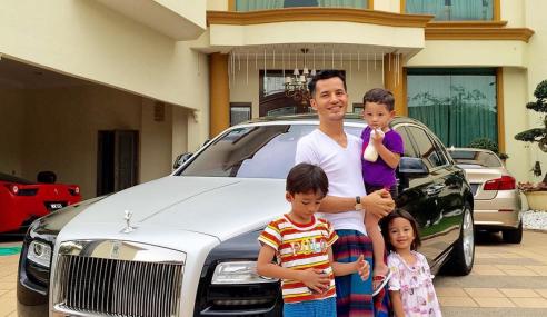 Mula Di Pasar Tani, Kini Datuk Terlajak Laris Pakai Rolls-Royce