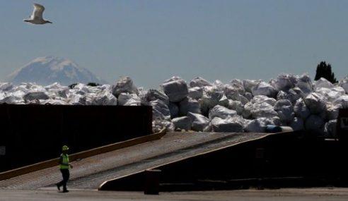 Sampah Tsunami Jepun Penuhi Pesisir Pantai Alaska
