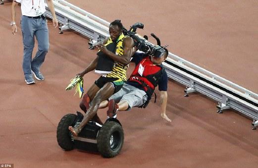 Lawak… Bolt Dilanggar Segway Ketika Rai Kemenangan