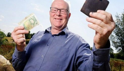 Petani Jumpa Kembali Dompet Yang Hilang 30 Tahun Lalu