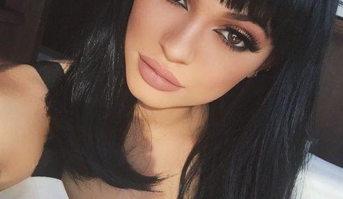Genap 18 Tahun, Kylie Jenner Ditawar Bintangi Filem Lucah