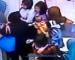 Video: Dukung Anak Sambil Curi Di Pasar Raya Giant