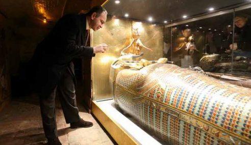 Zakar Mumia Firaun Tutankhamun Tegang Ereksi