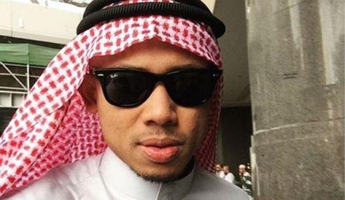 Nabil Ahmad Gembira Tunai Umrah Bersama Isteri