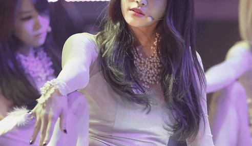 Peminat Meluat Ahli Kumpulan K-Pop Sengaja Tayang Spender!