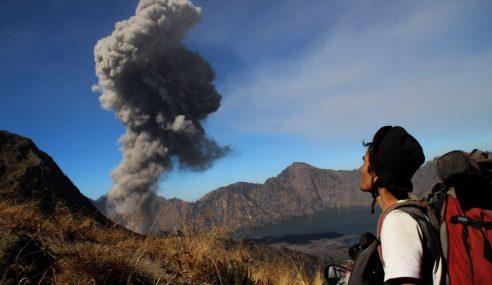 Letusan Gunung Berapi Rinjani: 700 Penerbangan Di Bali Batal