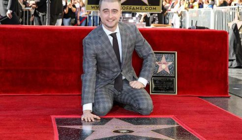 Daniel Radcliffe Dapat Bintang Di Hollywood Walk Of Fame