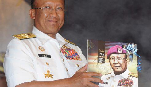Abdul Aziz Lancar Buku Memoir P'khidmatan Beliau Bersama TLDM