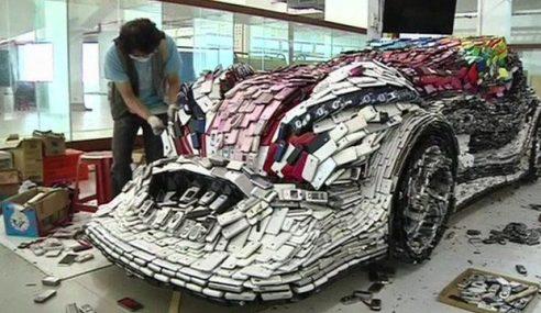 Artis Taiwan Buat Kereta Dengan 25,000 Telefon Bimbit