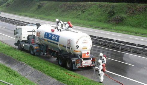 Lebuhraya PLUS Tapah-Gopeng Ditutup Akibat Kebocoran Tangki Gas