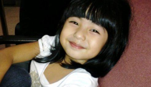 Aktres Cilik Mia Sara Tunai Umrah Dengan Famili