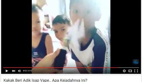 Video: Wanita Gelak Sakan Kongsi Vape Dengan Budak-Budak
