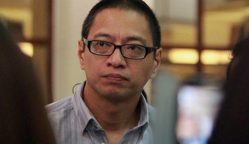 Jabatan Peguam Negara Hentikan Pendakwaan Terhadap Azmi Sharom