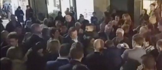VIDEO: PM Sepanyol Ditumbuk Ketika Berkempen