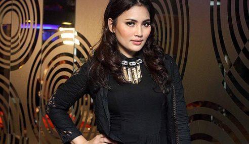 Fasha Sandha Bertikam Mulut Dengan Adik Ipar Sendiri?