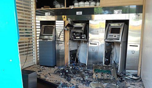 Sia-Sia Bom Mesin ATM, Kotak Duit Tak Terjejas