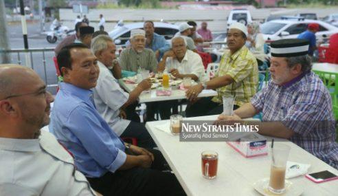 Sultan Johor Berkenan Bersantap Sarapan Bersama Rakyat Muar