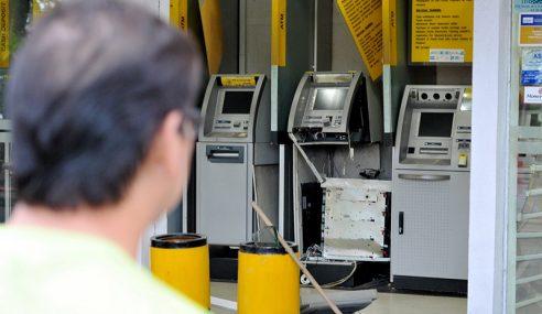 Perompak Larikan Kira-kira RM300,000 Dari Mesin ATM