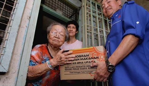 100 Keluarga Terima Bantuan Sempena Tahun Baharu Cina