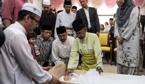 Agong Ziarah Jenazah Bekas Speaker Dun Kedah
