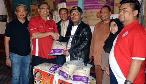 UMNO Salur Bantuan Segera Kepada 1,500 Keluarga Mangsa Banjir