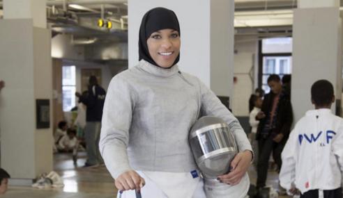 Atlit Wanita AS Pertama Berhijab Sertai Olimpik