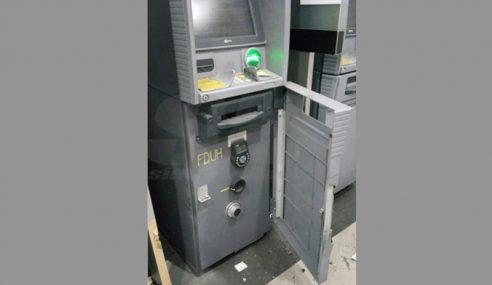 Kira-Kira RM200,00 Lesap, 2 Mesin ATM Dipecah Di Ampang