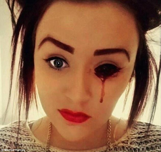 'Real Zombie' Darah Mengalir Melalui Mata, Hidung dan Telinga