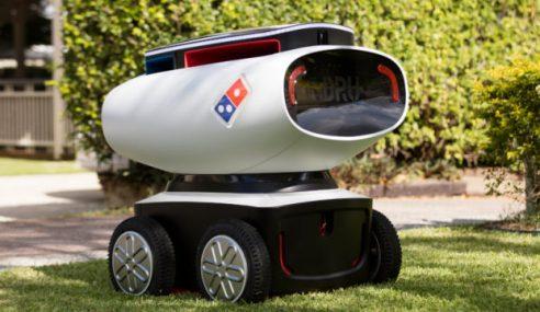 Domino Cipta Robot Hantar Pizza Ke Rumah Pelanggan