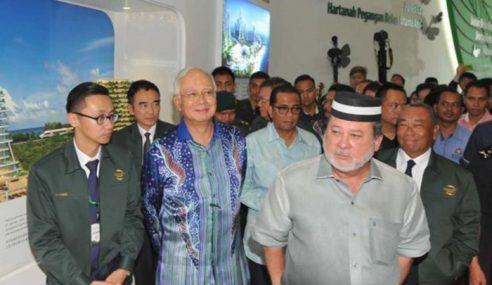 Isu 'Sultan Johor Tak Mahu Salam' Buat Najib Geleng Kepala
