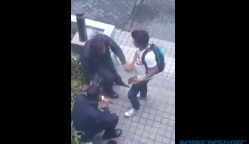 Video: Kantoi Sudah, Anggota Polis Paw Pelajar Sekolah