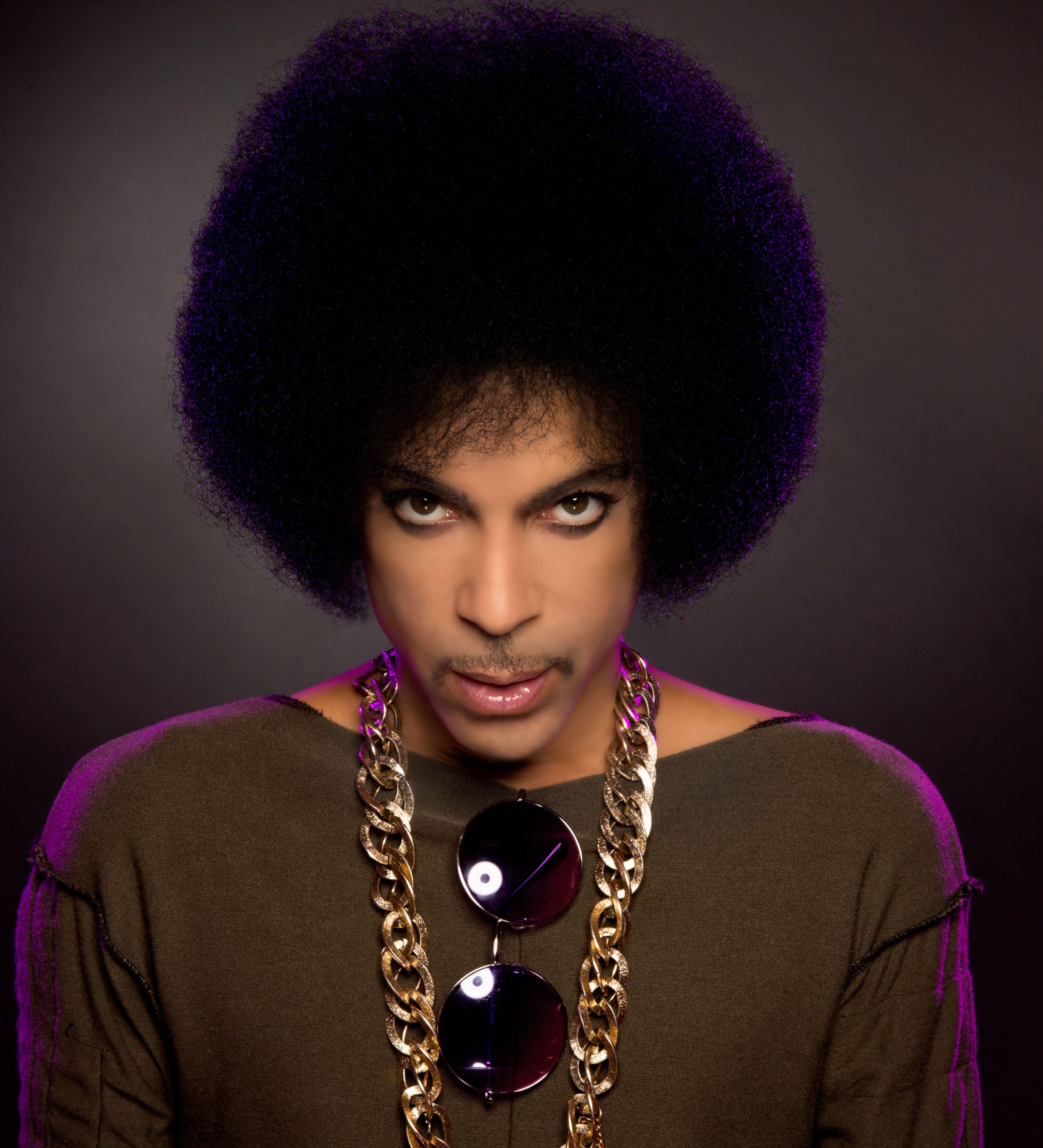 Bintang Pop, Prince Meninggal Dunia Pada Usia 57 Tahun