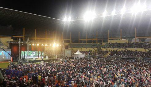 Lebih 20,000 Hadir Ceramah Dr. Zakir Naik Di Bukit Jalil