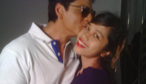 Jumpa Shah Rukh Khan Lepas 3 Hari Tidur Luar Rumah
