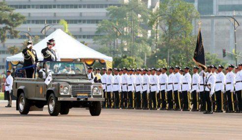 Sultan Johor Berangkat Ke Istiadat Askar TSN Johor