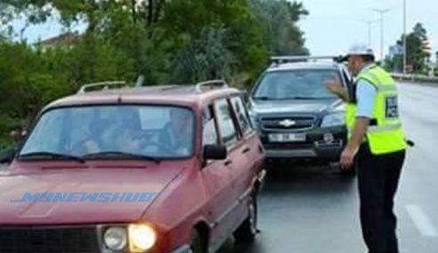 Polis Tahan Pemandu Pada Waktu Berbuka, Dah Kenapa?