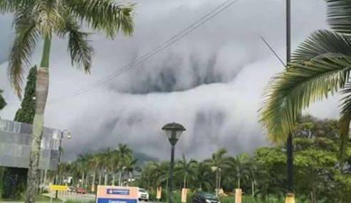 Awan Gergasi 'Tsunami' Gerunkan Penduduk Sabah