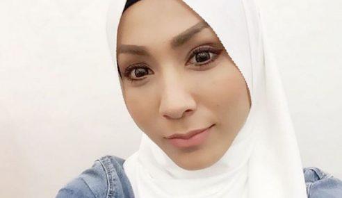 Kurang Tawaran Kerana Hijab, Elfaeza Kini Bersihkan Surau