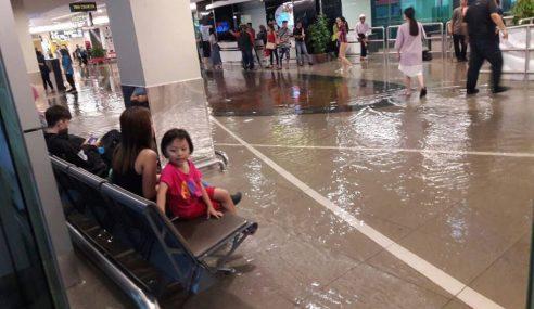Lapangan Terbang P. Pinang Dilanda Banjir Kilat