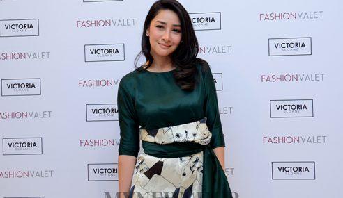 Peminat Sanggup Check In Hotel Demi Rita Rudaini