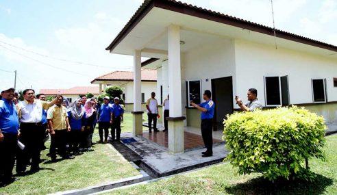 Felcra Bina 1,183 Unit Rumah Bantu Generasi Muda