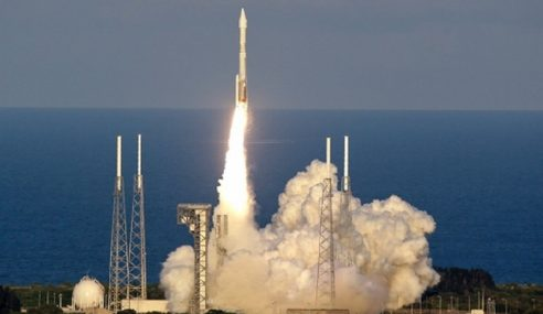 NASA Lancar Kapal Angkasa Kutip Habuk Cakerawala