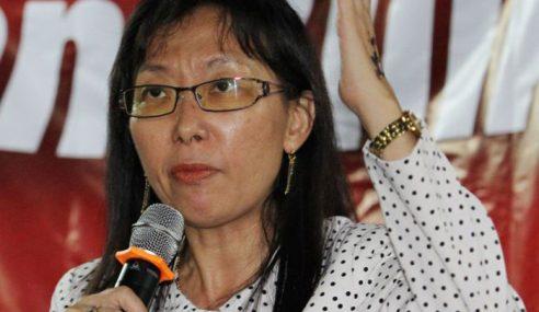 DAP Risau Ayat 'Bermandi Darah' Baju Merah