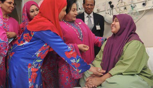 Isteri PM Luang Masa Lawat Mangsa Kebakaran HSA