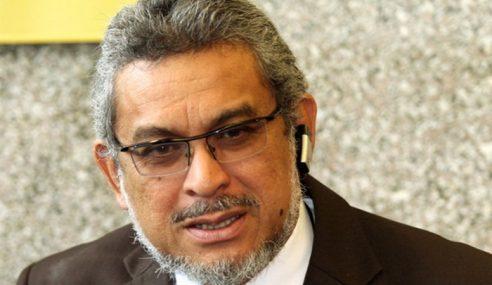 Khalid Samad Cuba Diserang Kira-Kira 20 Orang Di Parlimen