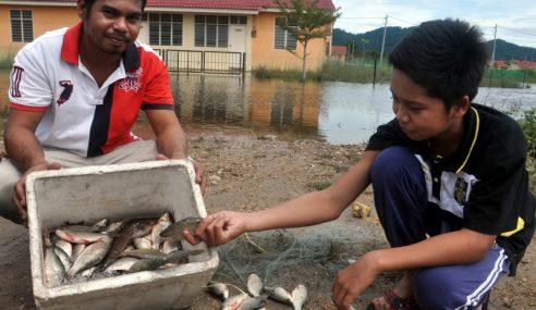 Musim Tengkujuh Tingkat Pendapatan Penangkap Ikan