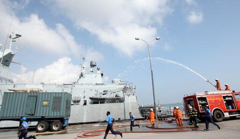 TLDM Laksana Latihan Kebakaran Kapal Dalam Pangkalan